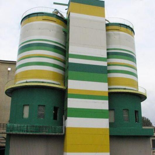 Referencje dotyczące prac wykonywanych na zbiornikach i silosach stalowych oraz żelbetowych.