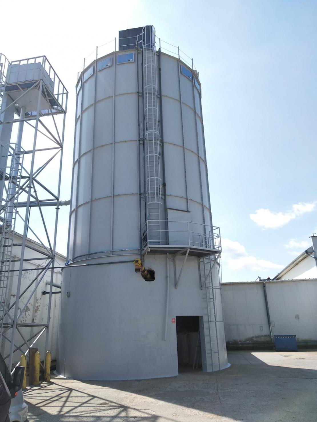 Zabezpieczenie antykorozyjne zbiornika stalowego - widok po remoncie